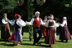 folk-dance-54530_640